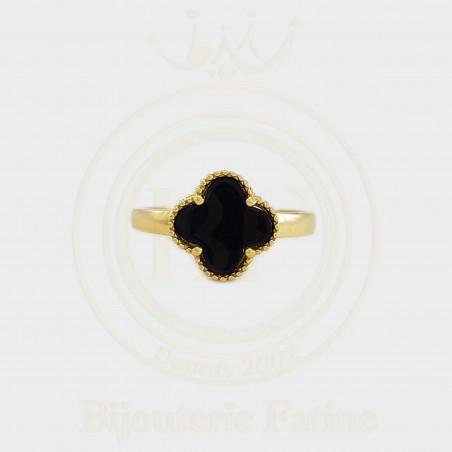Bague très chic et moderne avec des perles en Or 18 carats